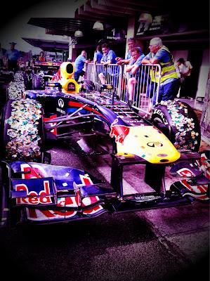 Red Bull в блестках Интерлагоса на Гран-при Бразилии 2011