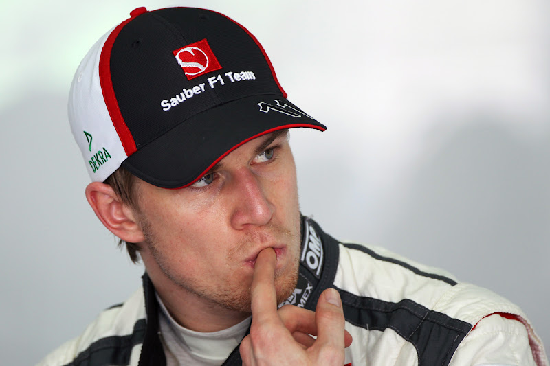 Нико Хюлькенберг грызет палец на Гран-при Малайзии 2013