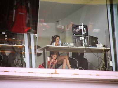 комментаторская кабинка российского телевидения на Гран-при Испании 2014