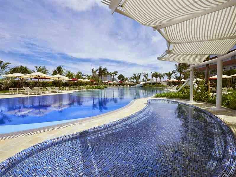 Hilton Okinawa Chatan Resort- pool