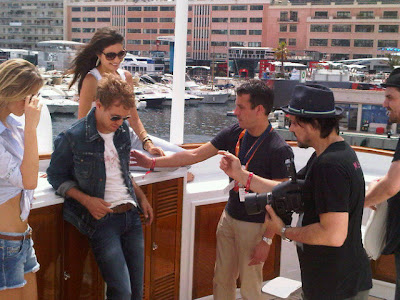 Себастьян Феттель на фотосессии для Pepe Jeans