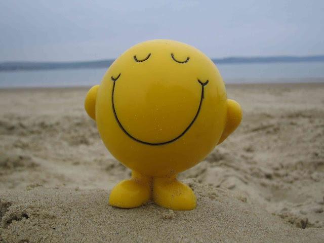mỉm cười