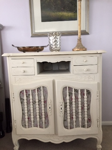 French side table painted with Annie Sloan Old white Chalk Paint