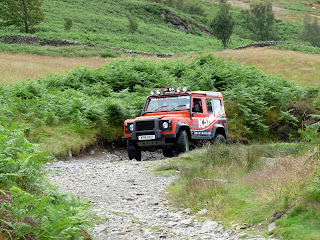 Once I was on the main path back I was met by four Land Rovers negotiating the rocky track.
