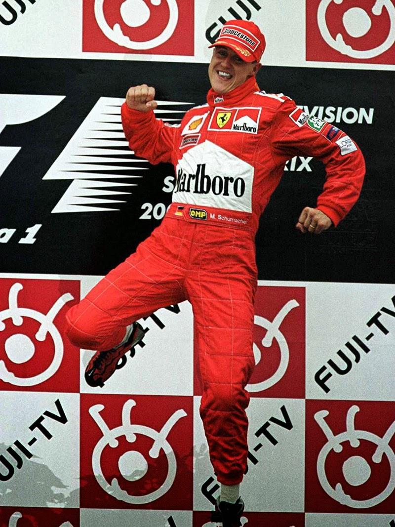 победный прыжок Михаэля Шумахера на подиуме Гран-при Японии 2000