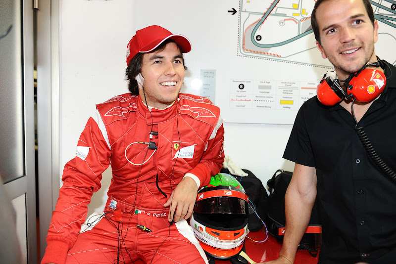 Серхио Перес в комбинезоне Ferrari во Фьорано 15 сентября 2011