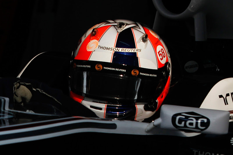 Рубенс Баррикелло за рулем Williams в специальном шлеме на Гран-при Индии 2011