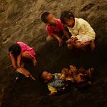 Gry i zabawy jawajskich dzieci: Pogrzeb.