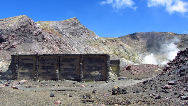 An old building from the sulfur-mining operation.