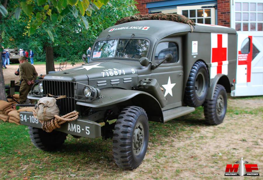 Dark Roasted Blend: Awesome Vintage Ambulance Cars