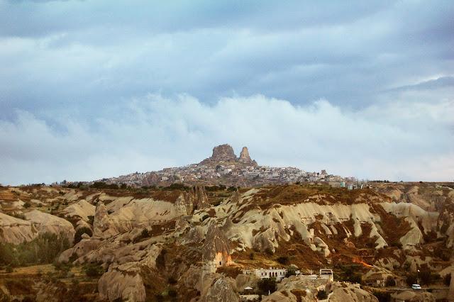 Турция: Город Гереме, фото издали