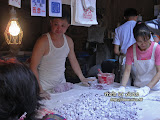 台灣人真的很愛芋圓,一路上看到很多店在賣。
