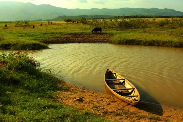 ảnh quê hương con thuyền ở bến sông quê hương
