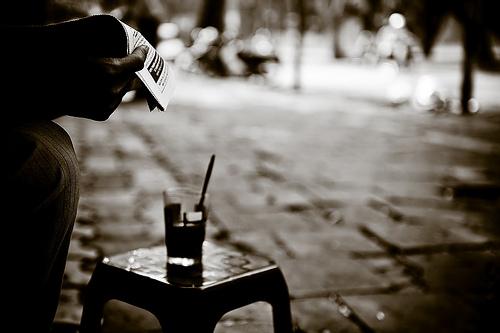 Thơ hay tâm trạng bên ly cà phê giữa đất Sài Gòn