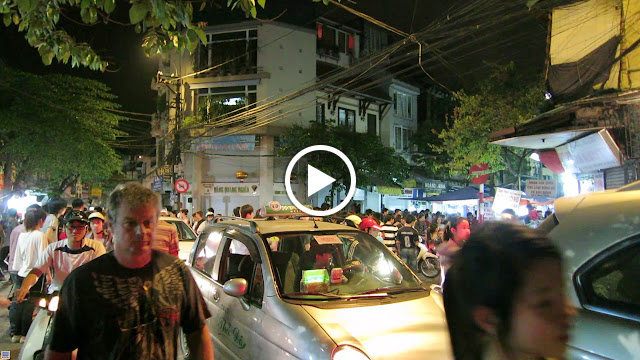 A video showing a typical scene from the crazy streets of Hanoi.