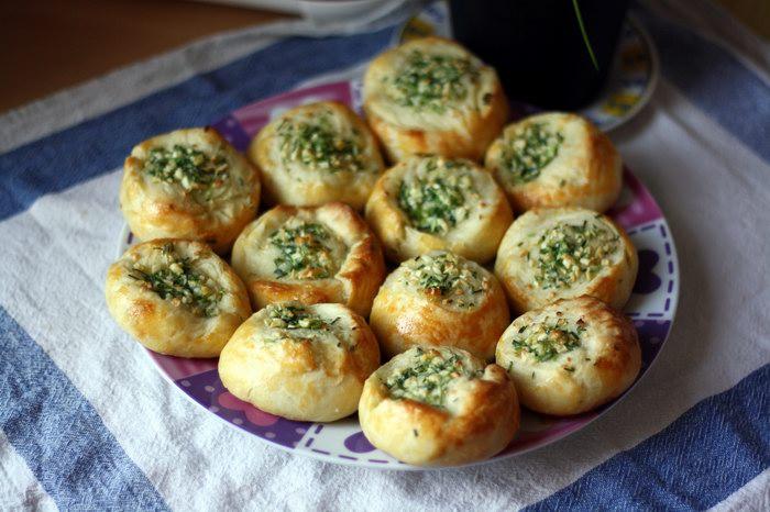 Рецепт булочек с чесноком к борщу пошагово в духовке