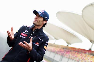 Марк Уэббер дает интервью на Гран-при Китая 2012
