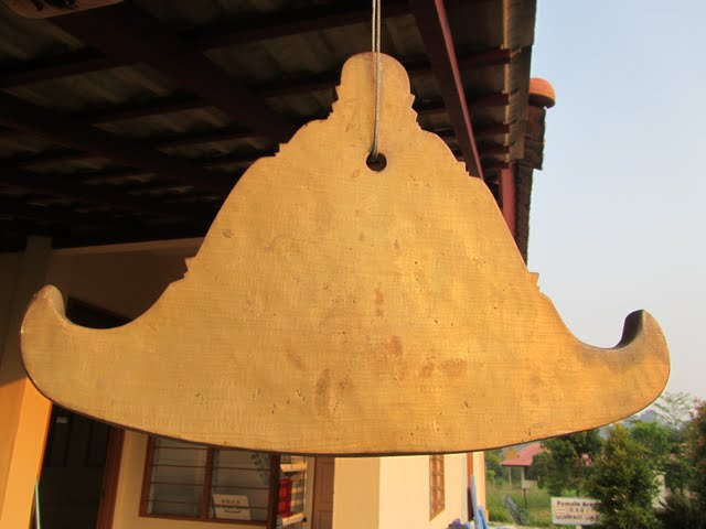 male canteen, Vipassana course, Gambang