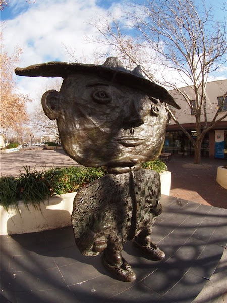 petrie plaza sculpture