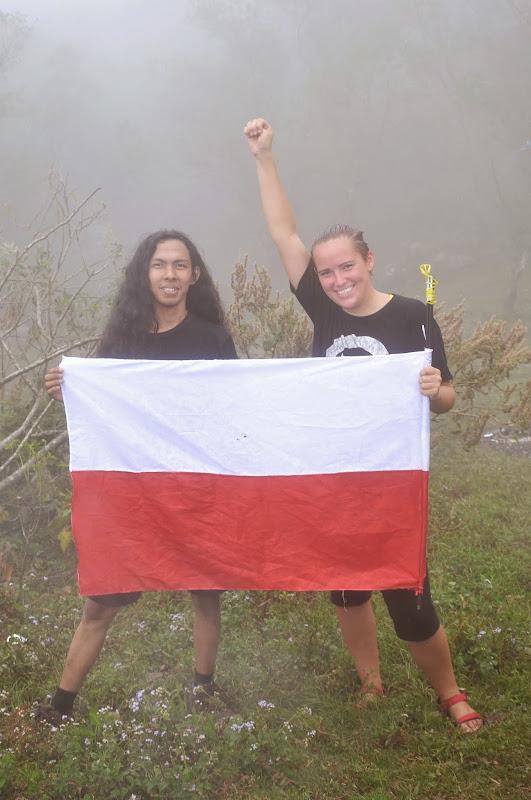 po wielu sporach udało mi się ustawić flagę Indonezji we właściwa strone