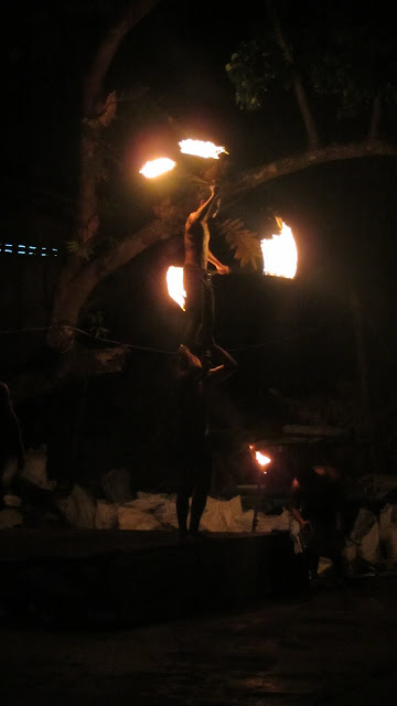 Fire jugglers on Railay East.