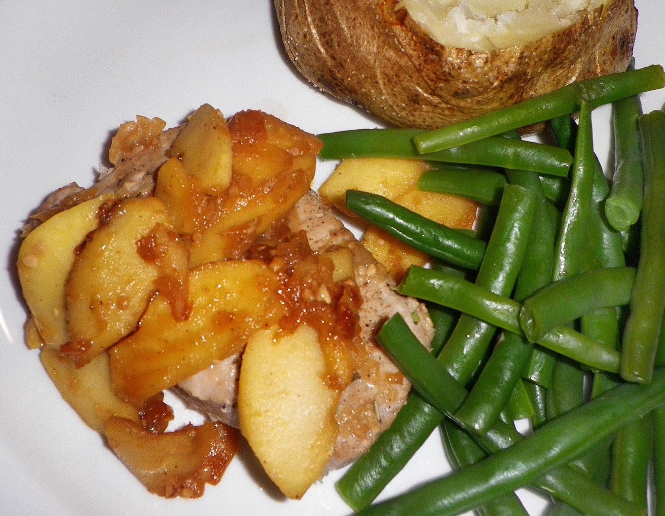 Sauteed Pork Chops and Apples