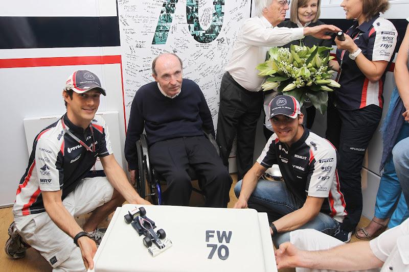 Фрэнк Уильямс со своими пилотами Бруно Сенной и Пастором Мальдонадо на Гран-при Испании 2012