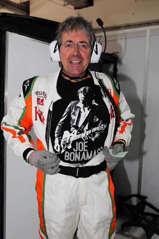 Нил Дики в футболке Joe Bonamassa на Гран-при Индии 2011