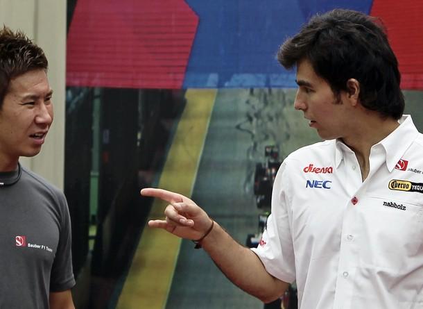 Серхио Перес дает наставления Камуи Кобаяши на Гран-при Сингапура 2011