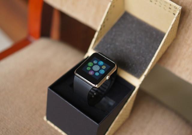 Trên tay đồng hồ thông minh Inwatch B giá 1,2 triệu đồng - 90665