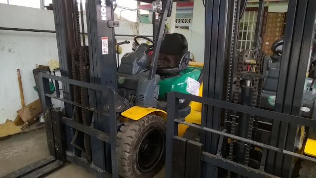 Xe nâng diesel Komatsu FD30-16