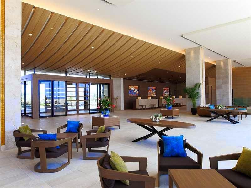 Hilton Okinawa Chatan Resort- lobby