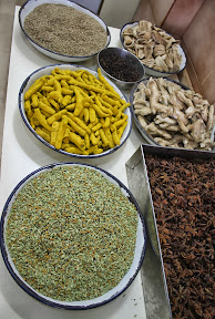 Indian spice market tour http://indiafoodtour.com  http://foodtourindelhi.com