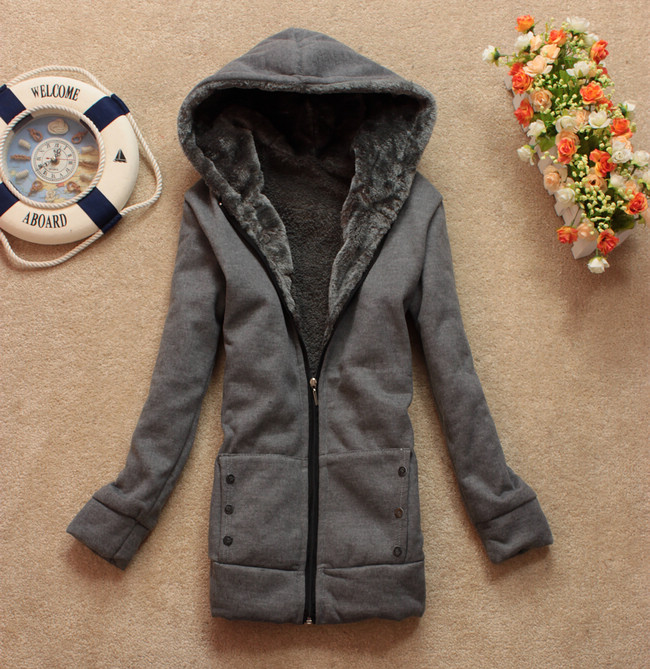 молодежное женское пальто с выкройками.