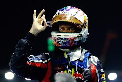 Себастьян Феттель после победы на Гран-при Сингапура 2011
