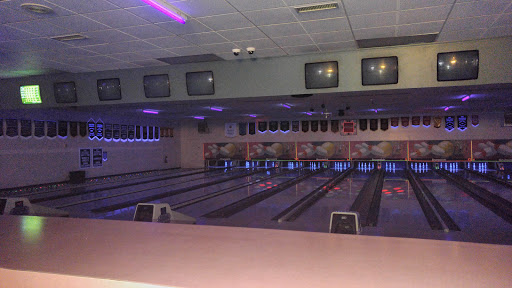 Fort Bowling Lanes, 10116 104 St, Fort St John, BC V1J 4C3, Canada, Bowling Alley, state British Columbia