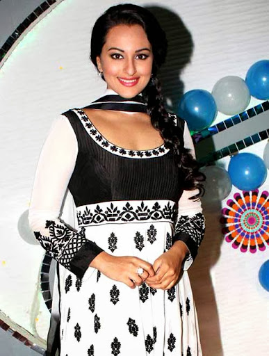 Sonakshi sinha Beautiful And Splendid Wallpapers In Black And White Salwar Suit With Braided Hairstyles