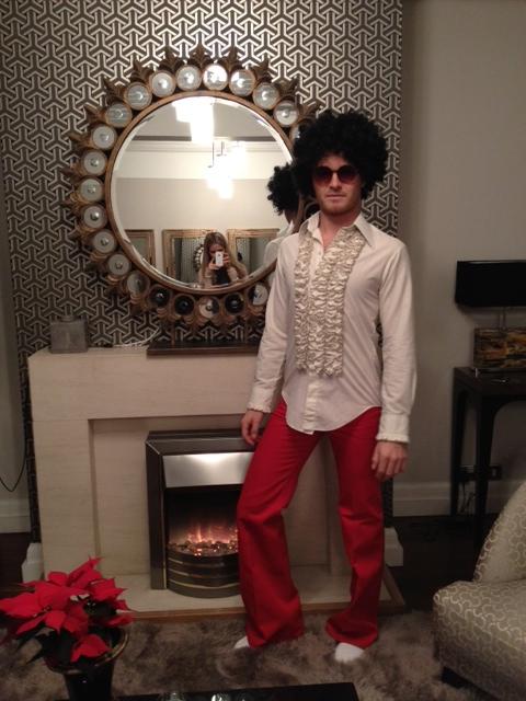 Нико Росберг в костюме для рождественской вечеринки Мерседес ГП