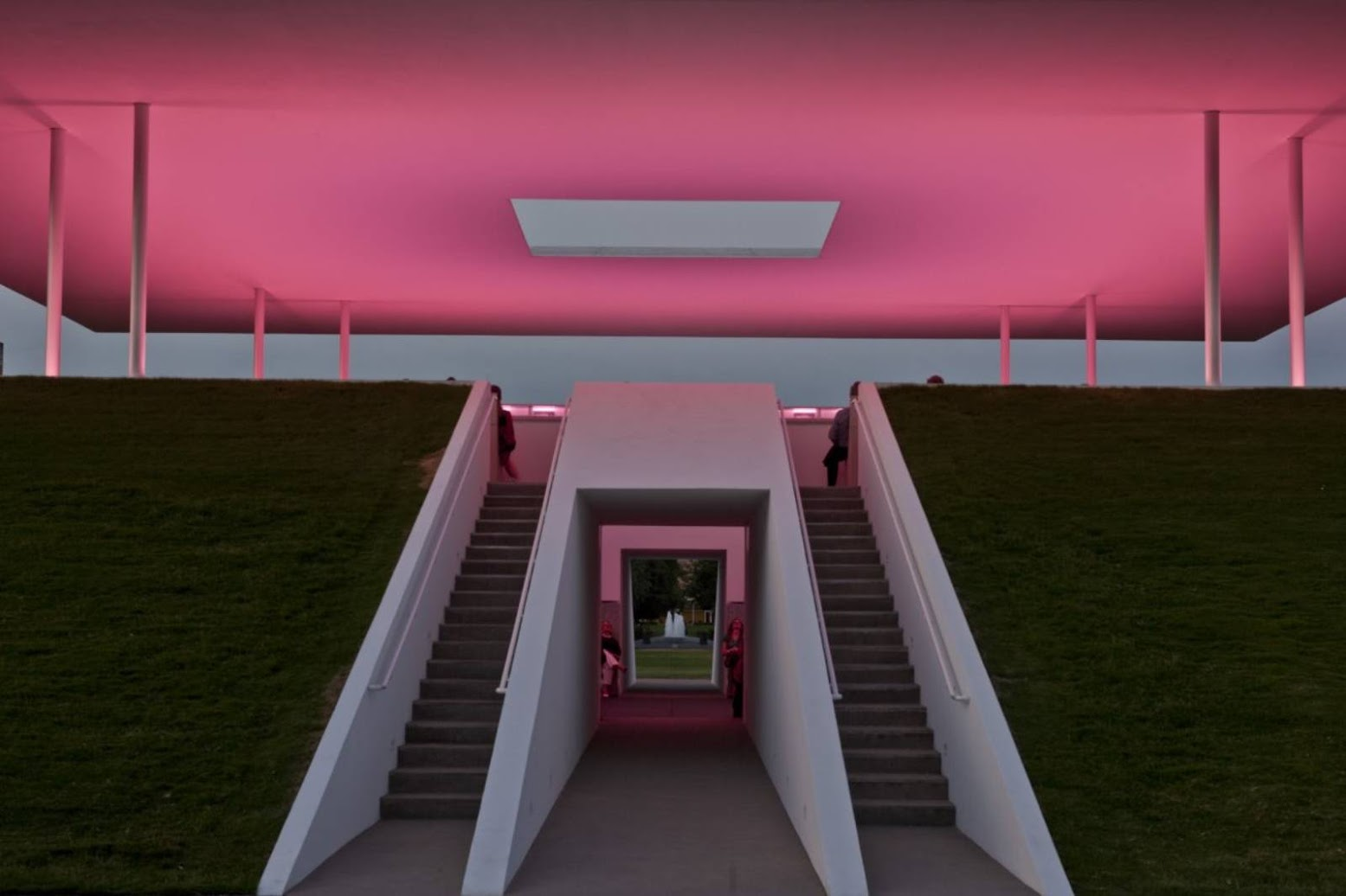 Arganzuela, Madrid, Spagna: [TWILIGHT EPIPHANY BY JAMES TURRELL]