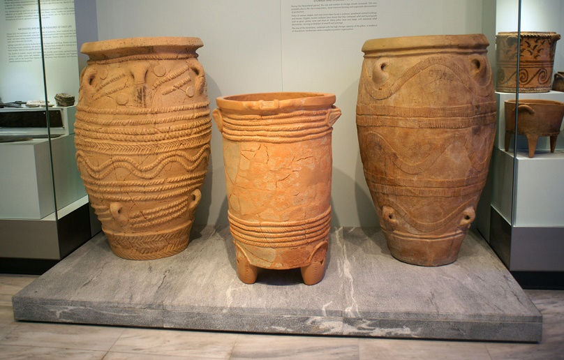 Heritage: Minoan storage jar smashed by falling tourist