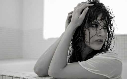 Sunny Leone Wet