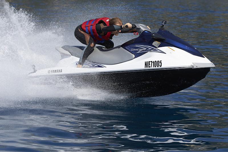 Нико Росберг катается на водном мотоцикле на Гран-при Монако 2013