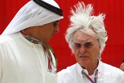 шевелюра Берни Экклстоуна на ветру на Гран-при Бахрейна 2012