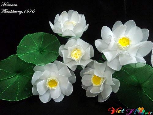 Làm hoa sen trắng bằng vải voan