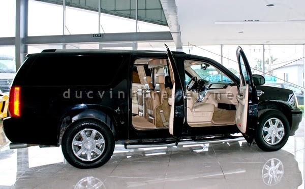 Cho thuê xe VIP Cadilac Escalade đen 7 chỗ 1