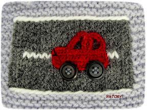 Araba desenli atkı bere modeli
