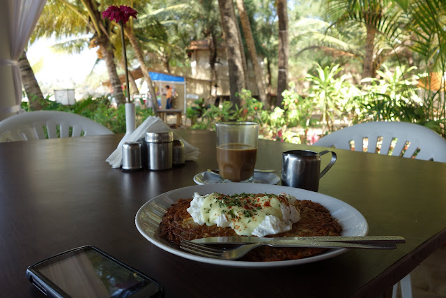 Breakfast in paradise.