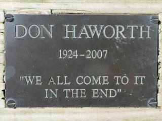 Plaque on bench at Dodd Viewpoint