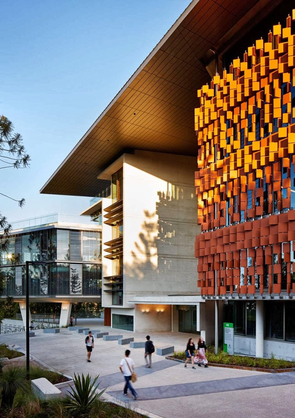Advanced Engineering Building by Hassell and Richard Kirk