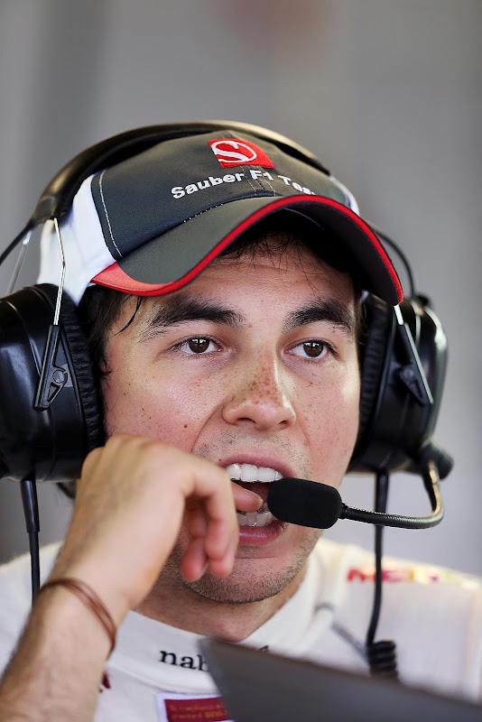Серхио Перес кушает палец на Гран-при Монако 2012